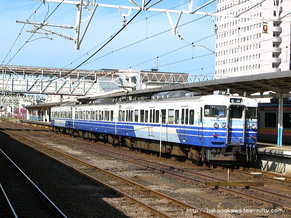 柏崎駅に停車中の115系電車その1