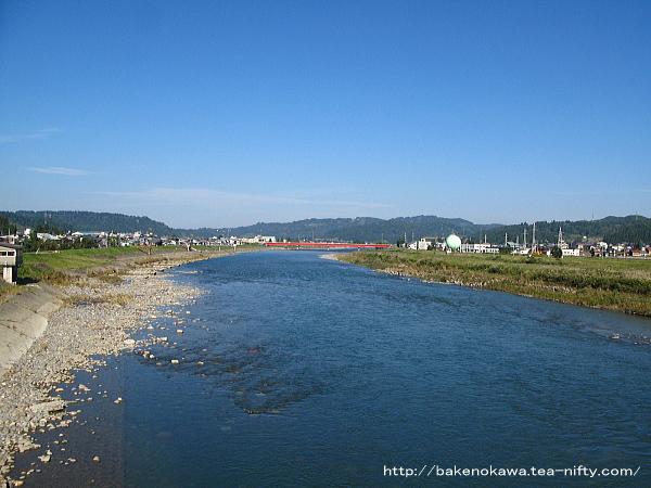 旧堀之内町内を流れる魚野川その2