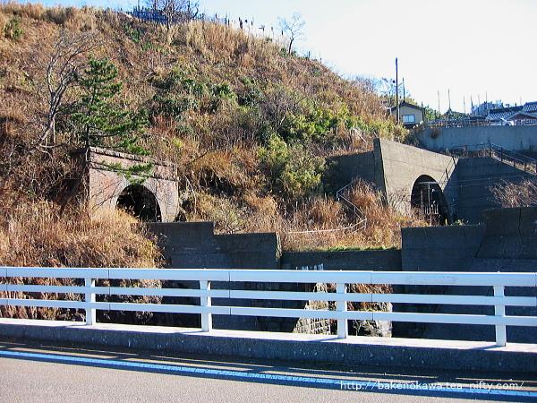 笠島駅近くの廃トンネルその1