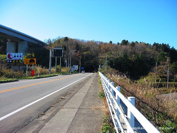 笠島地区の国道8号線