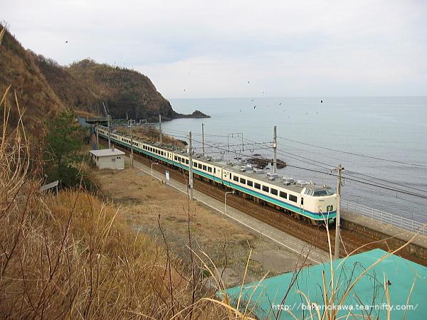 中越沖地震前の青海川駅を通過する485系電車快速「くびき野」