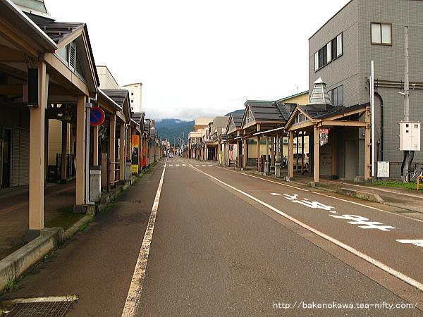 新井駅の駅前通りその2
