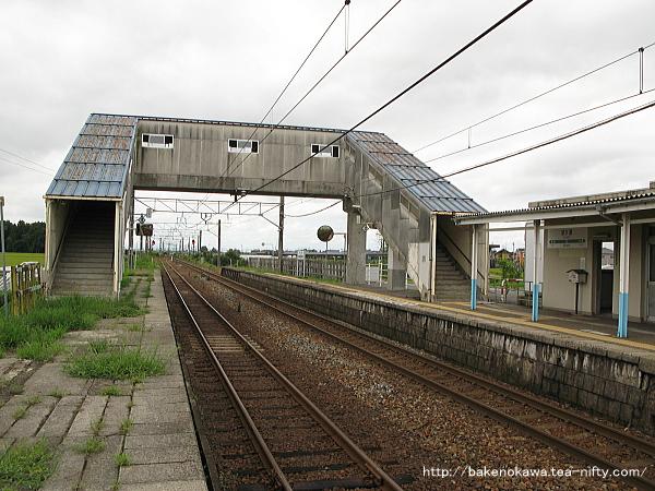 京ヶ瀬駅の2番ホームその一