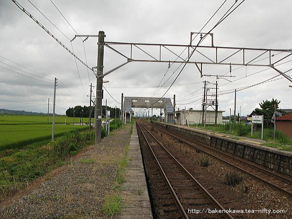 京ヶ瀬駅の2番ホームその二