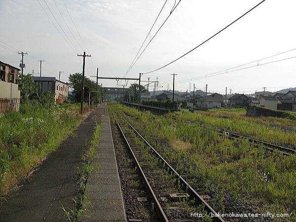 西山駅の2番ホームその3