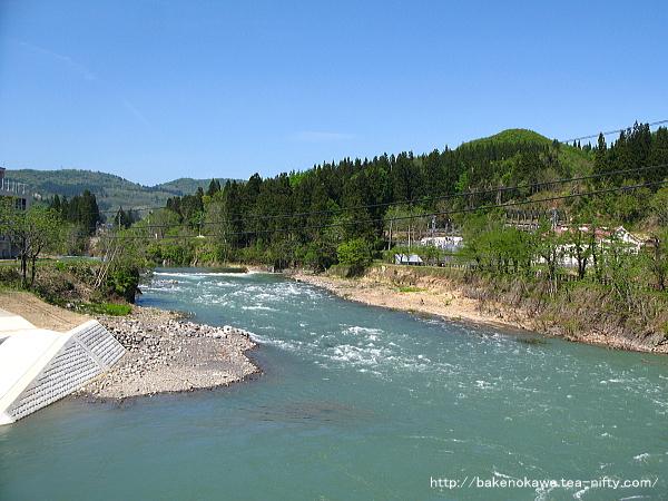 渋川橋から見た破間川