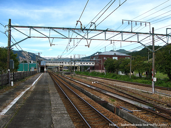 越後中里駅の1番ホームその1