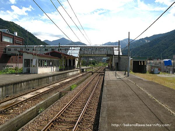 越後中里駅の1番ホームその2