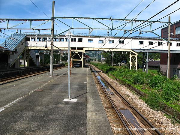 越後中里駅の島式ホームその3