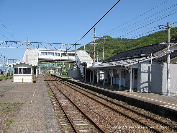 谷浜駅の島式ホームその2