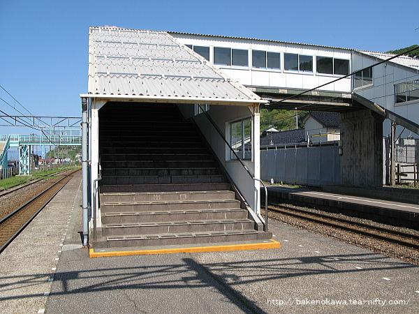谷浜駅の跨線橋その2