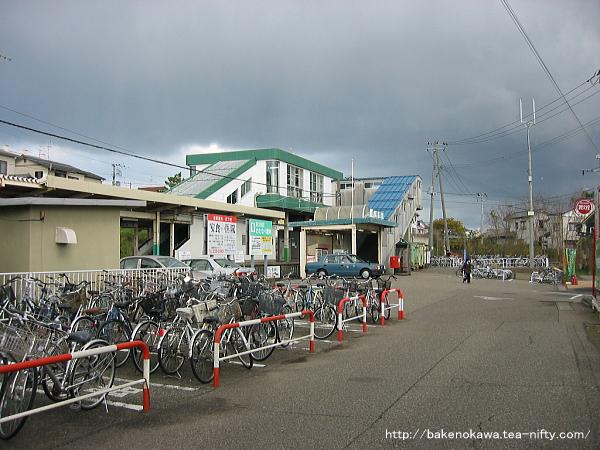 寺尾駅駅舎その1