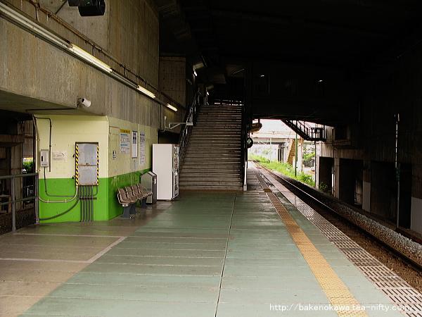 燕三条駅の弥彦線ホームその3