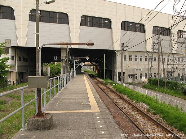 燕三条駅の弥彦線ホームその4