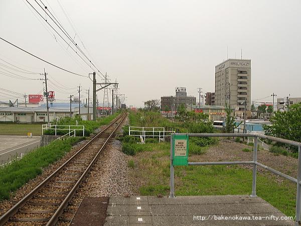 燕三条駅の弥彦線ホームその5