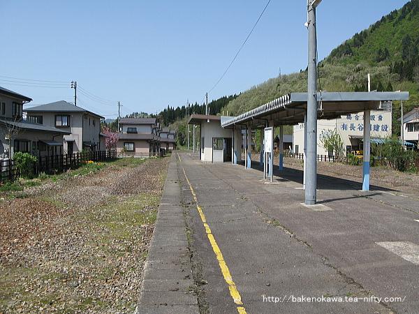 鹿瀬駅の旧島式ホームその6