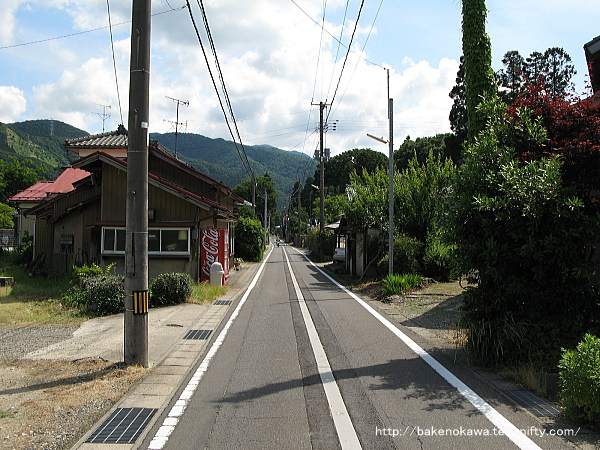 馬下駅至近の県道