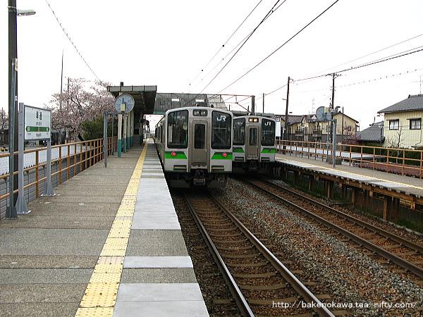E127系電車同士が早通駅で交換