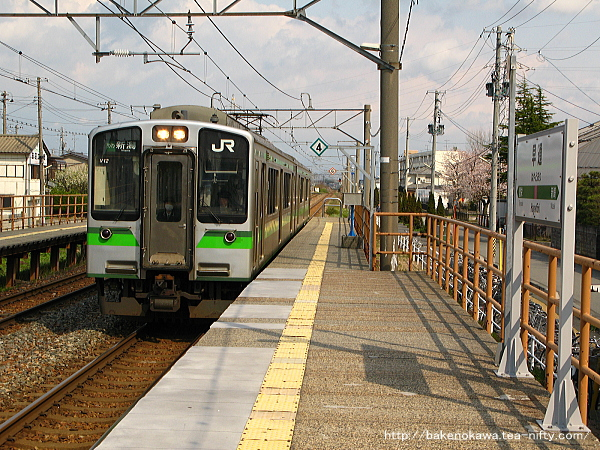 E127系電車が早通駅に進入