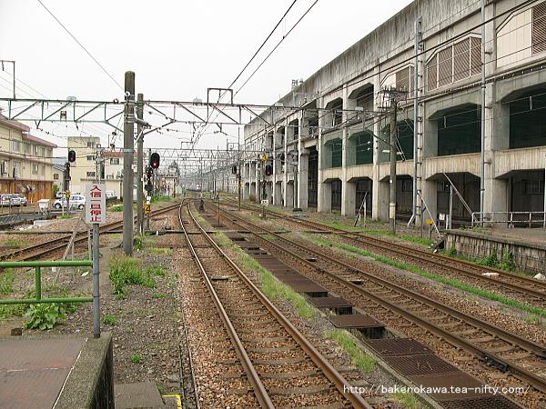 長岡駅の島式ホーム(4-5番線)その2