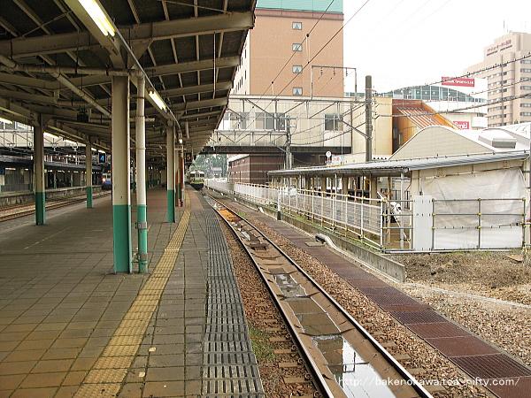長岡駅の島式ホーム(4-5番線)その3