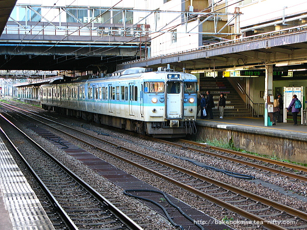 長岡駅で待機中の115系電車その3