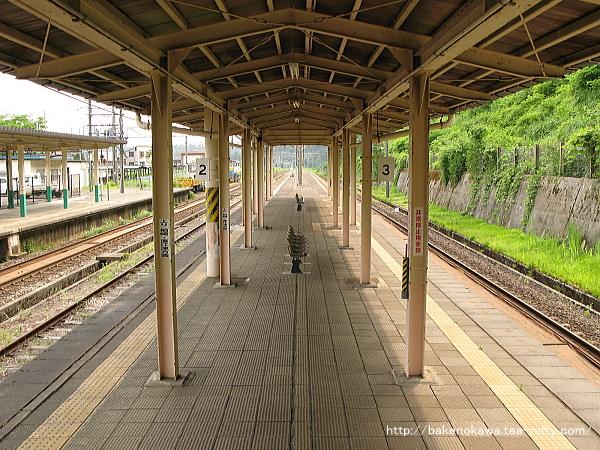 塚山駅の旧島式ホームその1