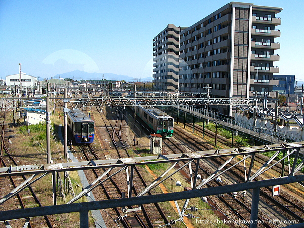 自由通路から見たえちごトキめき鉄道の直江津運転センター