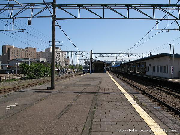 直江津駅の1-2番島式ホームその1