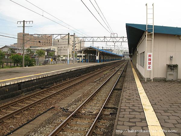 直江津駅の3-4番島式ホームその1