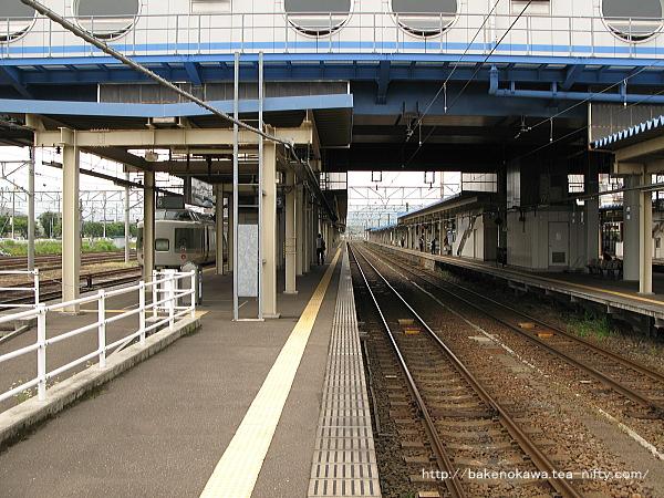 直江津駅の5-6番島式ホームその1
