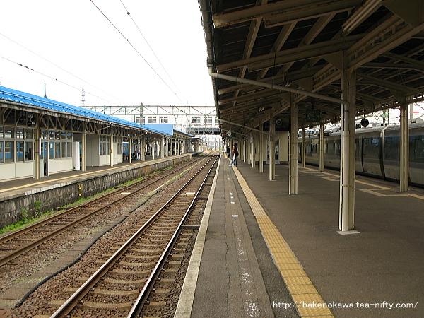 直江津駅の5-6番島式ホームその3
