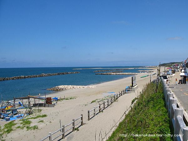 関屋浜と初夏の美しい日本海
