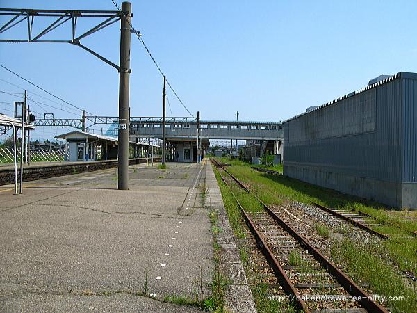 坂町駅の1番線その一