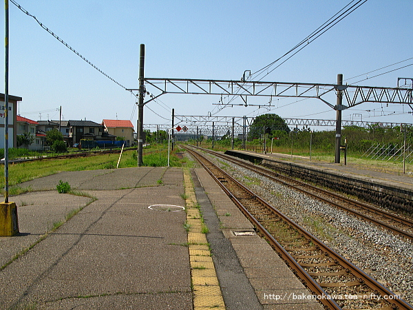 坂町駅の2番線その二