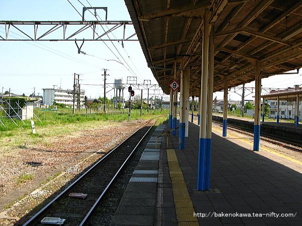 坂町駅の3-4番島式ホームその五