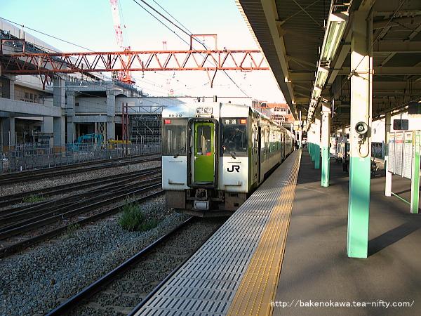 新潟駅で待機中のキハ110系気動車