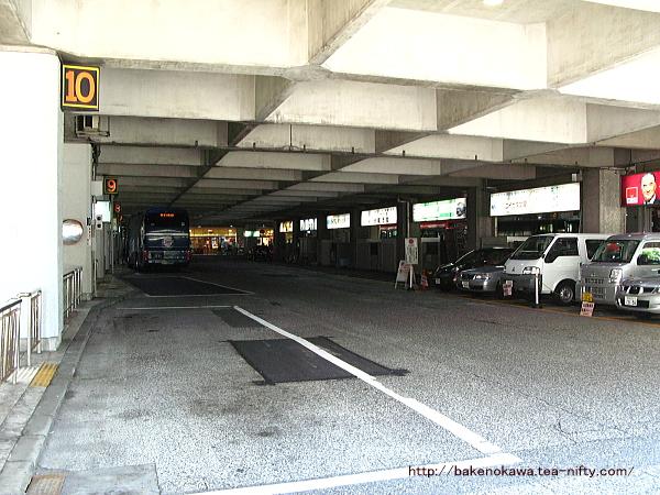 万代シティバスセンターの内部その1
