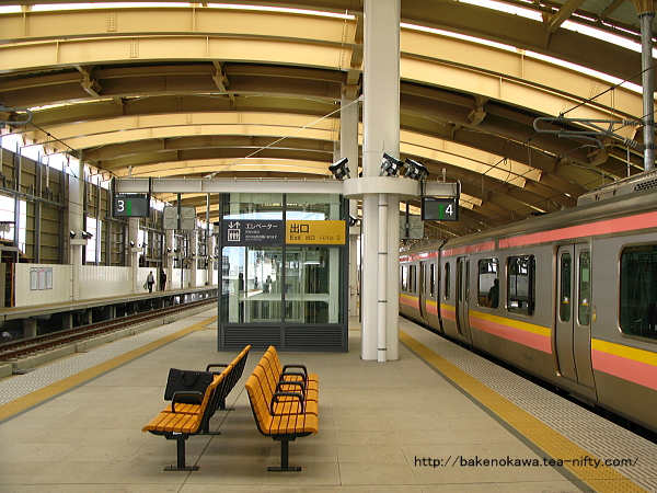 新潟駅在来線高架3-4番島式ホームの様子その3