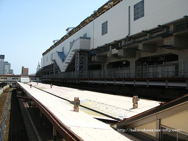 西側構内跨線橋から見た新潟駅在来線旧構内その二