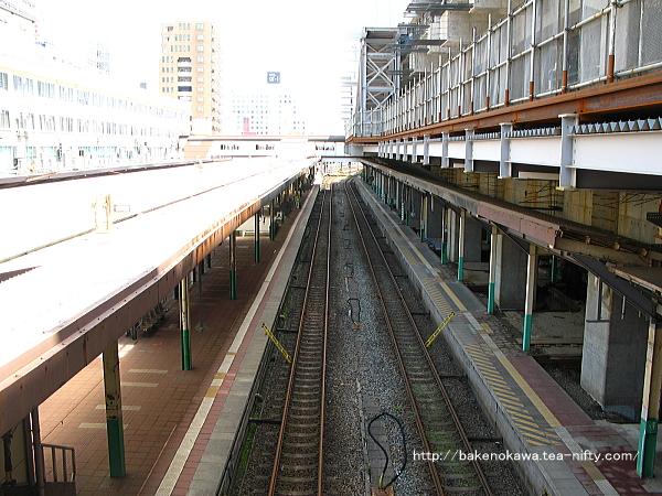 西側構内跨線橋から見た新潟駅在来線旧構内その三