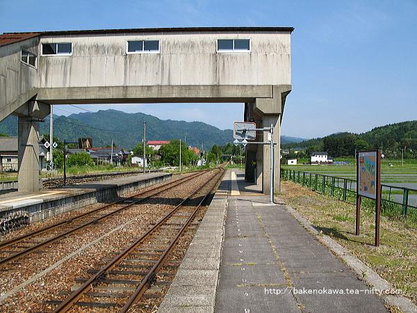 越後下関駅の2番ホームその1