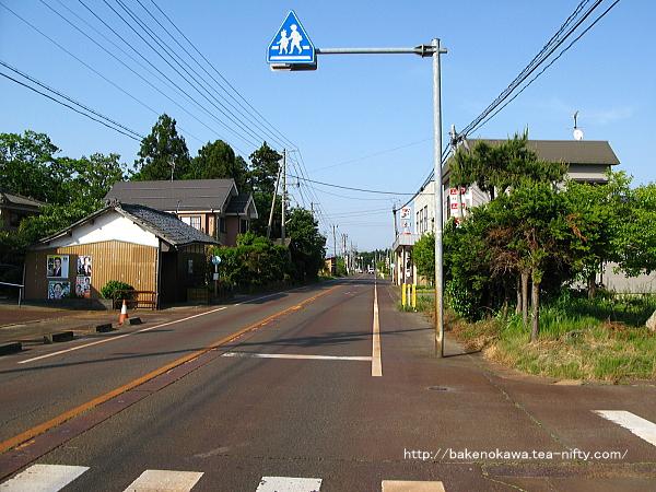 羽越本線と並走する国道460号線の中浦界隈