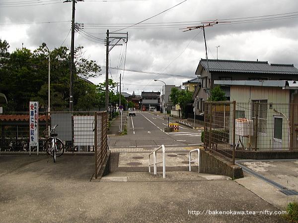 加茂駅西口駅前の様子その2