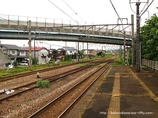 加茂駅の1番ホームその2