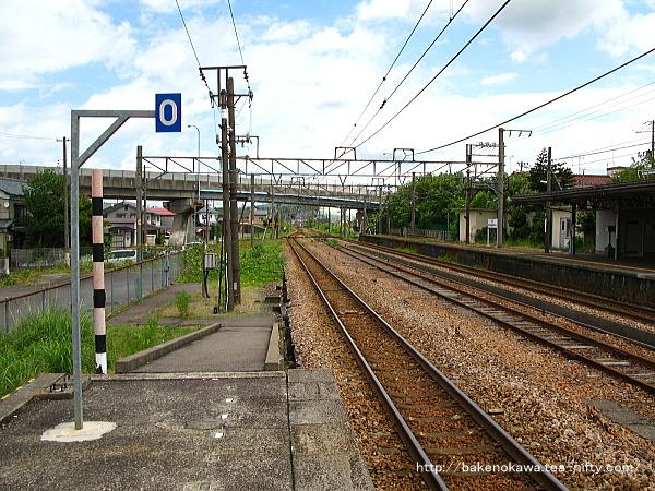 加茂駅の2番ホームその2