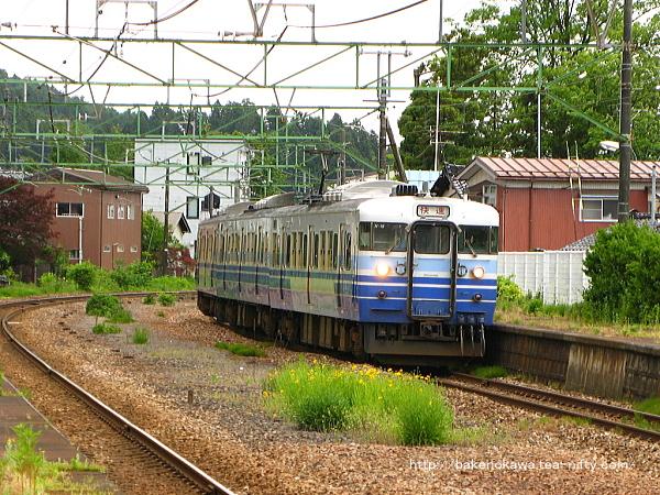 115系電車の快速新潟行が加茂駅に発着その1