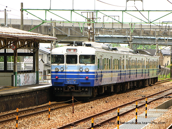 115系電車の快速新潟行が加茂駅に発着その2